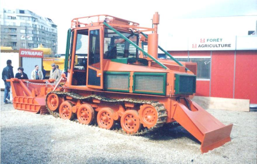 Forestry tracked vehicle