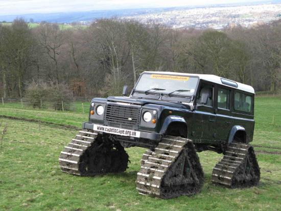 FOUR TRACKS LAND ROVER FOR RAID CAPE TO CAPE BY BERING STRAIT
