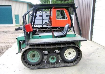 Otter tracked tractor