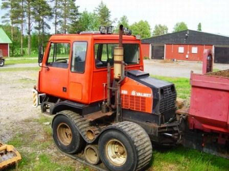 Valmet tracked forest machine