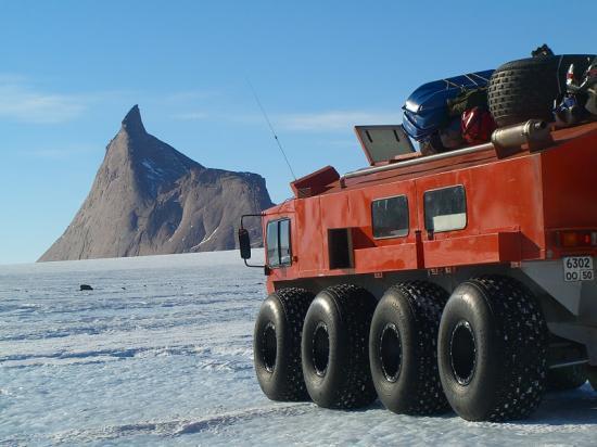Vector 8x8 Antarctica 2005