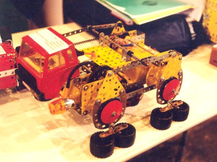 Locomotion like walking dragline in Meccano 2