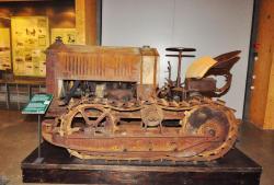 10-cletrac-model-w-tractor.jpg