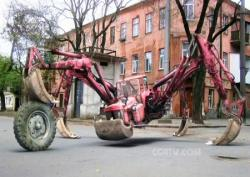 109-walking-machine-with-backhoe-legs.jpg