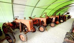 12 vendeuvre tractors