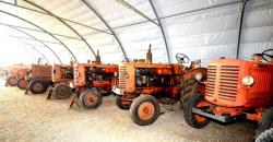 14 renault tractors of the 50 and 60s