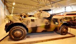 15-m40-lynx-armoured-car.jpg