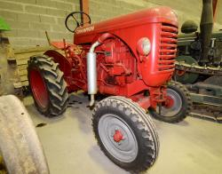 16 dsc 0119a champion comet tractor