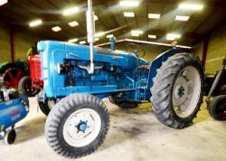 19 dsc 0069a fordson super major e1a tractor 1964
