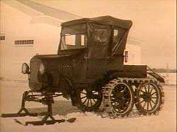 2-Steel-tracks-Bombardier-on-Ford-T.jpg