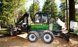 2014 06 21 176a sogedep sf25 8x8 forwarder