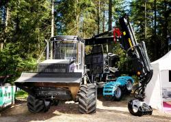2014 06 21 184a logset 5fp 8x8 forwarder