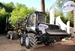 2014 06 21 193a logset 5fp 8x8 forwarder