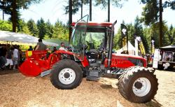 2014 06 21 562a better 130 trimmer of bm tractors