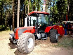 2014 06 21 564a better 130 trimmer of bm tractors