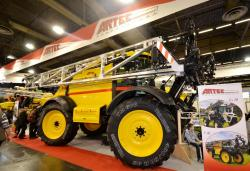 2015 02 22 147a artec self propelled sprayer