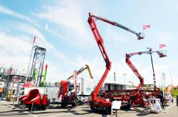 2015 04 20 257a hinowa lightlift 26 14 aerial platform and their stall 1