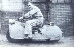 2x2-motorcycle-mgd-1943.jpg