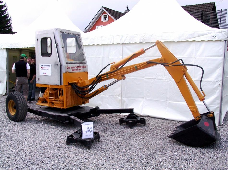 escavatori 3-menzi-muck-prototyp-of-1966