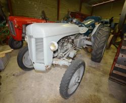 30 dsc 0141a ferguson te 20 tractor