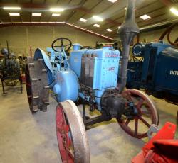 32 dsc 0156a lanz bulldog tractor