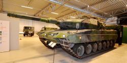 33-leopard-tank.jpg