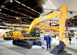 4 2015 04 20 647a case hybrid excavator