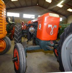 48 dsc 0197a vendeuvre bl tractor