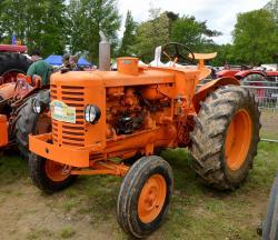 55 renault 7013 tractor 1954
