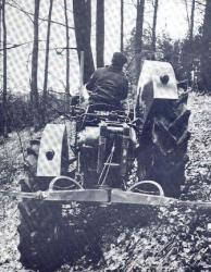 7-Pekazett-tractor.jpg
