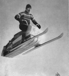 Larven-Snowmobile.jpg
