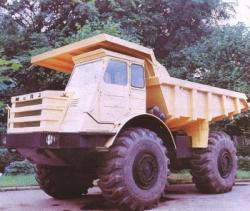 Rear-Dump-Truck-MoAz-522-1967.jpg