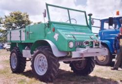 Unimog-401-1.jpg