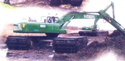 Waterking-amphibious-digger-of-Knoop-Dredging.jpg