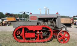 Avery track runner tractor 1923