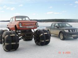 balloon-tires-car-on-ice.jpg