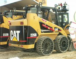 cat-loader-with-michelin-tweel-tyres-2006.jpg
