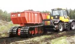 difco-powertrack-pushes-jcb-fastrac.jpg