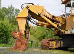 Dsc 0499a demag h 285 excavator