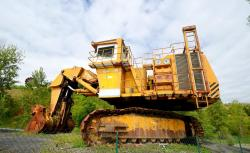 Dsc 0502a demag h 285 excavator