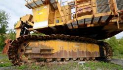 Dsc 0505a demag h 285 excavator