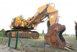 Dsc 0520aa demag h 285 excavator