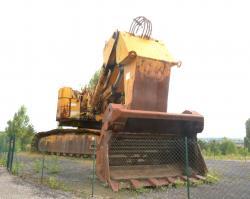 Dsc 0525a demag h 285 excavator