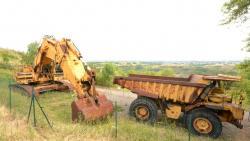 Dsc 0569a caterpillar 7730 dump truck