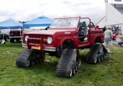 ford-bronco-with-una-tracks.jpg