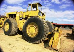 hough-d500-wheeled-dozer-1.jpg