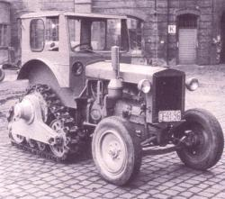 ifa-40-ps-tractor-and-half-track-from-ddr.jpg