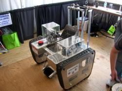 illinois-lunabotics-team-robot-iris-1-2.jpg