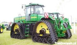 j-deere-tractor-with-ati-tracks.jpg