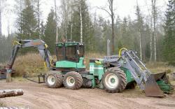 ll-maskiner-6x6-excavator-riktig-brutal.jpg